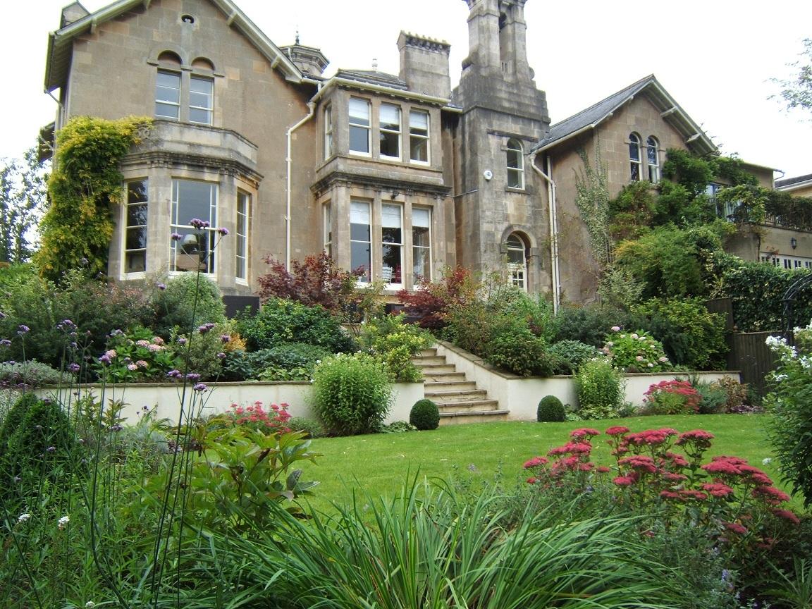 Traditional Gardens melanie jackson garden design