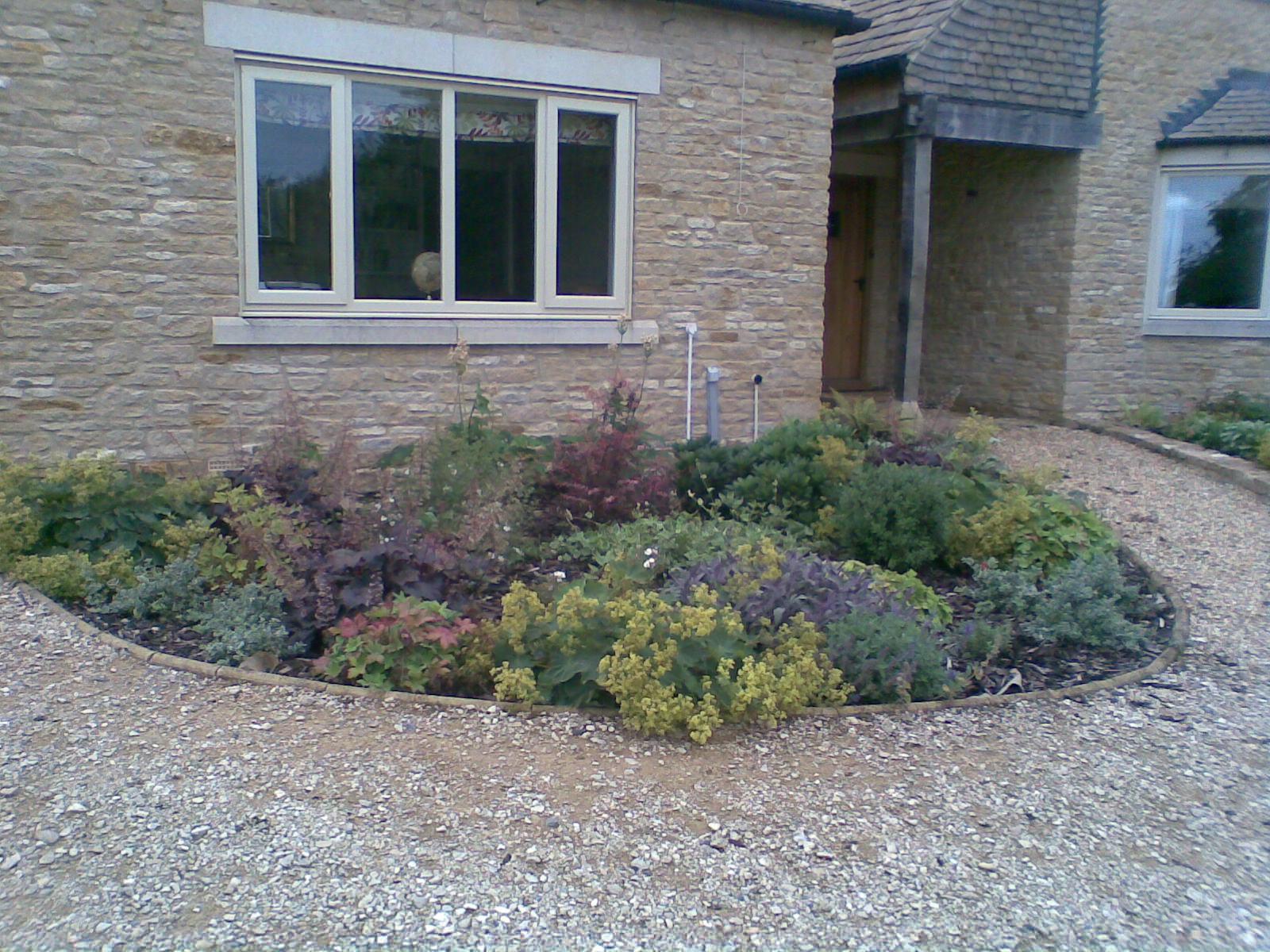 small garden design bath