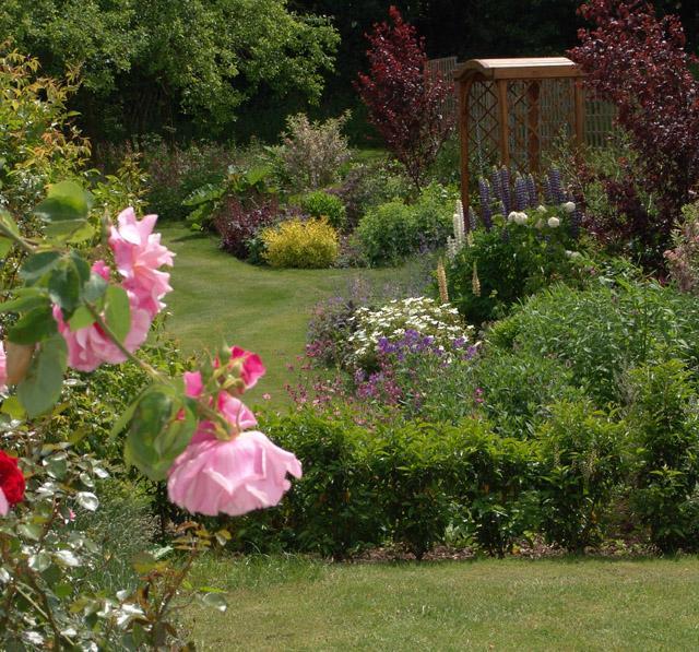 Country Garden Design01